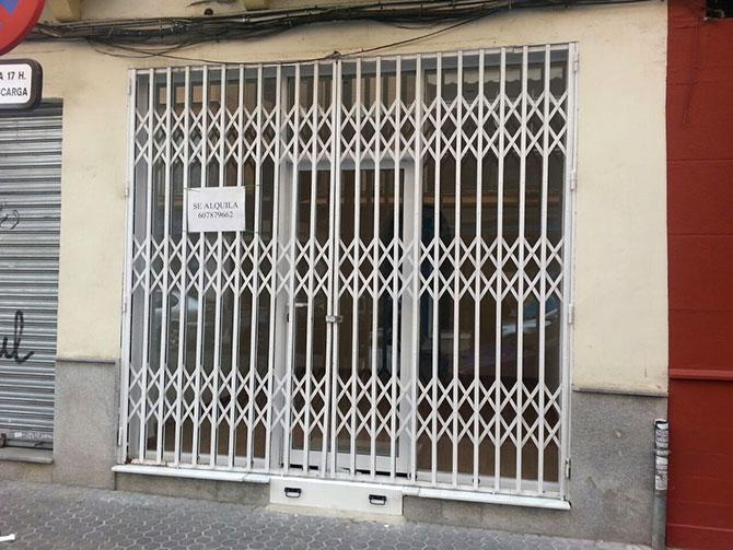 Local en virgen de loreto sevilla for Alquiler de casas en los remedios sevilla