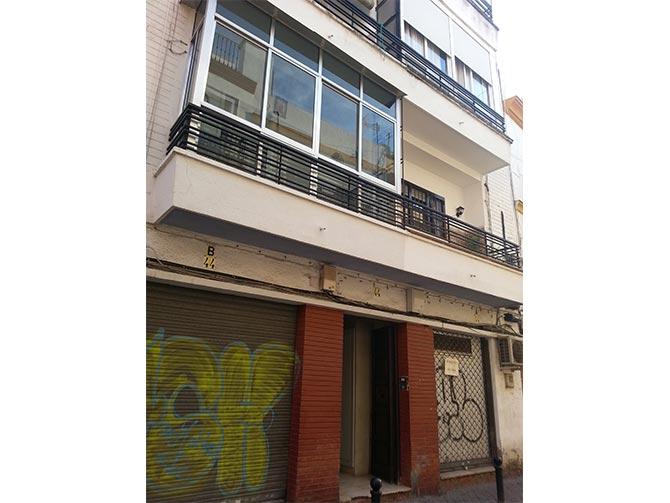 Calle rodrigo de triana sevilla for Alquiler de casas en triana sevilla